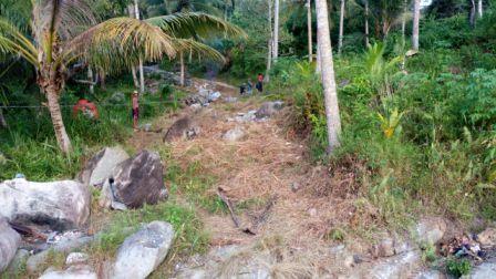 Suasana Pekerjaan Proyek di Desa Payalaman, Sudah berjalan 2 Minggu Tanpa Papan Nama